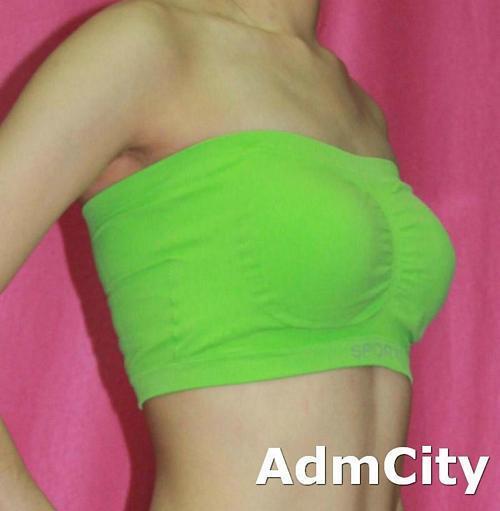 小可愛式 胸罩.  FREE Size 適合胸圍32A 32B 32C 34A 34B 都可以穿, 未拉開前平放量胸圍60 cm X 高度16.5cm. 有彈性, 很舒適, 適合搭配多款服飾, 本產品只不含內褲或裙子