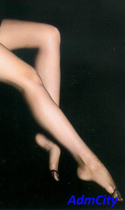 性感伸縮褲襪, 防靜電設計,3D立體足型設計.柔軟高品質絲般觸感.材質:85%尼龍15%spandex彈性纖維.適合臀圍90~103公分.身高150~170公分. 超高級出口日本款