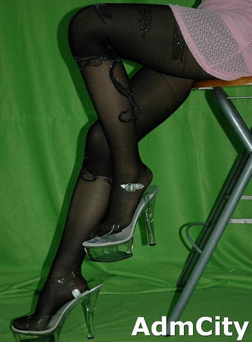 褲襪, 色假高腿襪款式褲襪,強化腳趾設計.原廠給的圖片是咖啡色但是我們只有黑色庫存