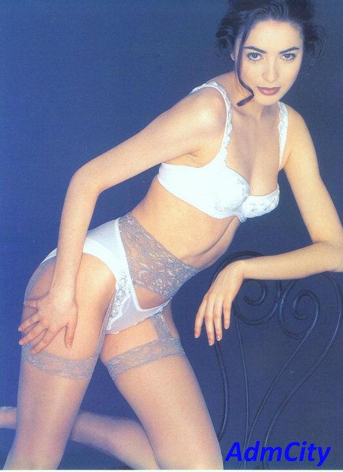 性感吊襪帶式蕾絲長統襪.適合身高145到170cm.85%尼龍15%spandex彈性纖維,臀圍80cmto100cm