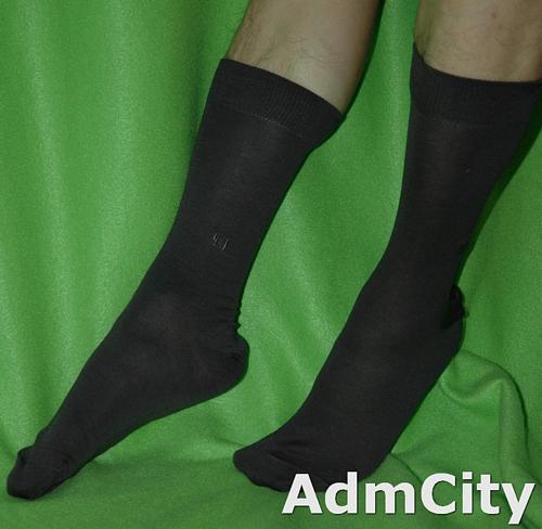 男襪棉質休閒運動上班用紳士襪.防腳臭設計.彈性棉質材料材質.舒適好穿,單一尺寸適合足部長度24到26公分.80%棉質.20%尼龍&elastane