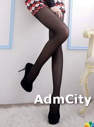 超彈性纖維鑽石形薄紗褲襪.適合150到162公分.22到25英吋.臀圍32到35英吋.這是嬌小身材尺寸款式.合身設計.