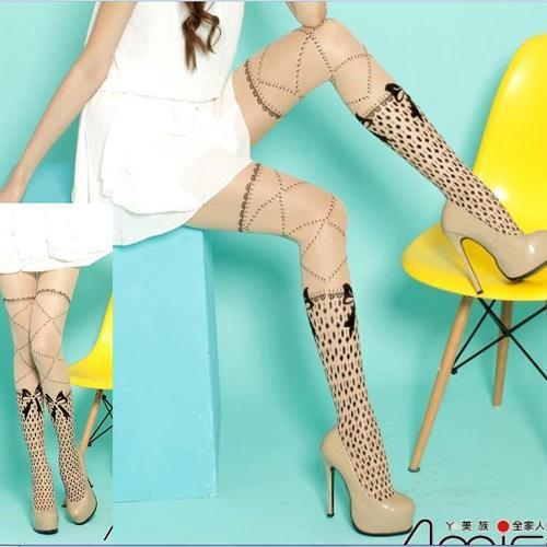 刺青紋路交叉褲襪復古樣式假短襪式刺青紋路設計,這件是褲襪喔