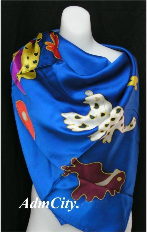 絲巾.  110 x100 cm.