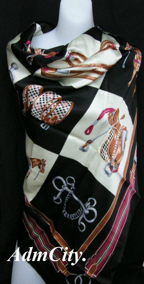 絲巾.  105 x105 cm.