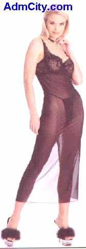 鋼絲罩杯胸罩 + G 型內褲 . .
