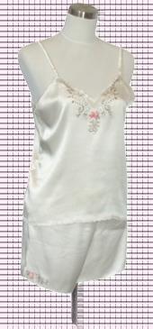 素綢緞吊帶繡花背心加短褲. 材質:蠶絲100%. ..